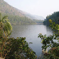 resorts near renuka lake